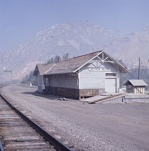 UP_Devils-Slide-depot_June-1970_002_Dean-Gray-photo