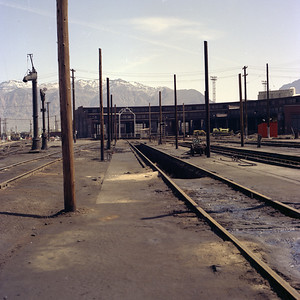 up_ogden-roundhouse-area_may-1971_01_dean-gray-photo