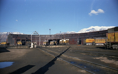 up_ogden-roundhouse_front_with-turbines-in-storage_dean-gray-photo