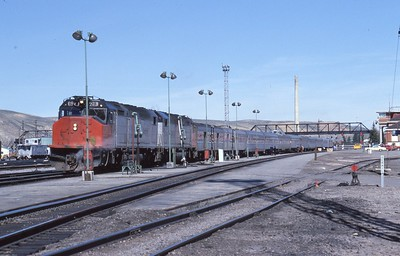 Amtrak_SDP40F_628-with-train_Green-River_May-1978_002_Dean-Gray-photo