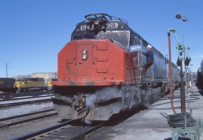Amtrak_SDP40F_628-with-train_Green-River_May-1978_001_Dean-Gray-photo