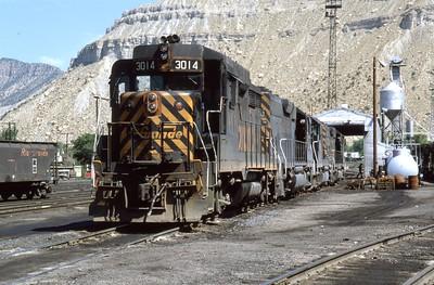 D&RGW_GP30_3014-plus-others_Helper_Sep-1980_Dean-Gray-photo
