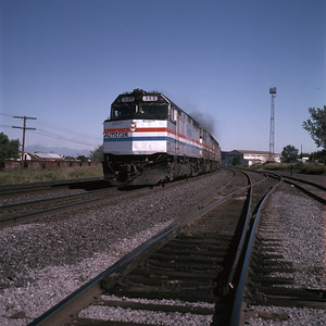amtrak_f40_353_with-eastbound-train_provo_dean-gray-photo