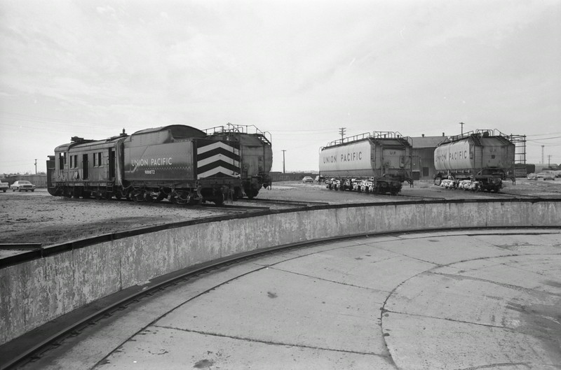 up_cheyenne-turntable-area_02_dean-gray-photo