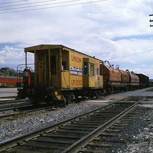 up_caboose_25821_with-train_salt-lake-city_dean-gray-photo