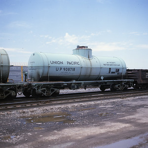 up-roadway-tank-car_908718_may-1988_dean-gray-photo