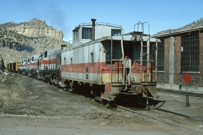 Utah-Ry_Caboose_62-with-train_Dean-Gray-photo