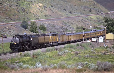 UP_4-6-6-4_3985-with-train_Oxman-Oregon_Sep-28-1993_Dean-Gray-photo