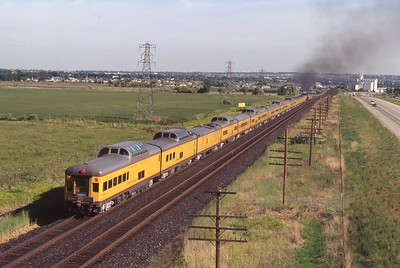 UP_4-6-6-4_3985-with-train_Kaysville_May-1994_Dean-Gray-photo
