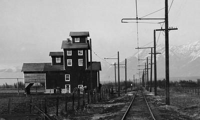 Salt-Lake-&-Utah_Riverton-looking-north_USHS_Salt-Lake-&-Utah-Railroad_P-16_39222001650774_detail