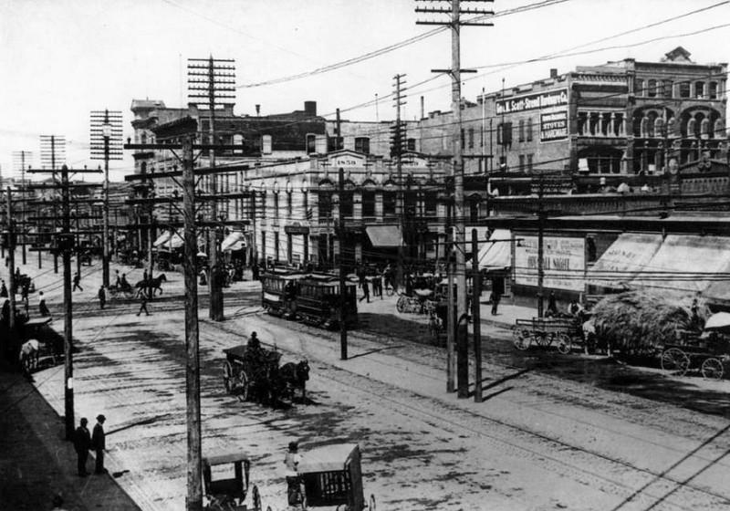 salt-lake-city-street-cars_main-street_D_tribune-files
