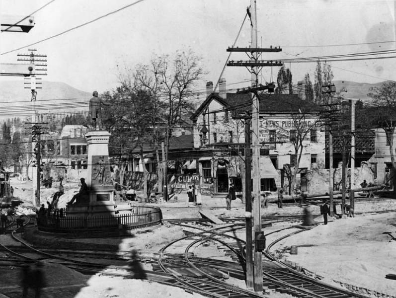 salt-lake-city-street-cars_brigham-young-statue_A_tribune-files