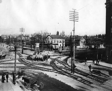 salt-lake-city-street-cars_brigham-young-statue_B_tribune-files