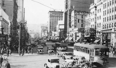 Salt-Lake-City-streetcars_4x5copyneg_Gordon-Cardall-collection