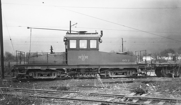 UIC_Freight-Motor_952_Ogden-Yard_~1947_Gordon-Cardall-photo