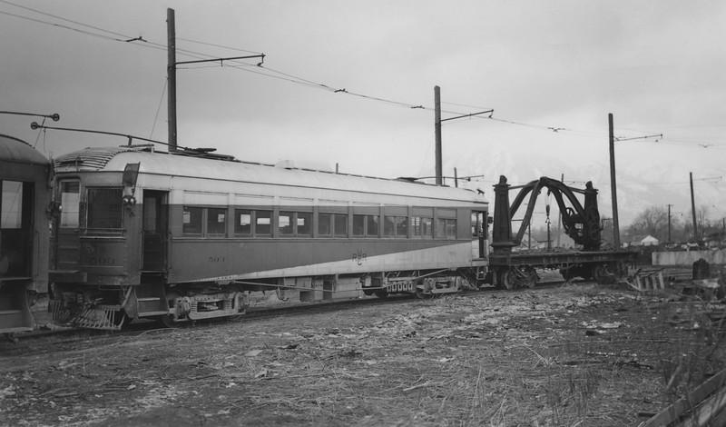UIC_Motor_503_Ogden-Yard_~1947_Gordon-Cardall-photo