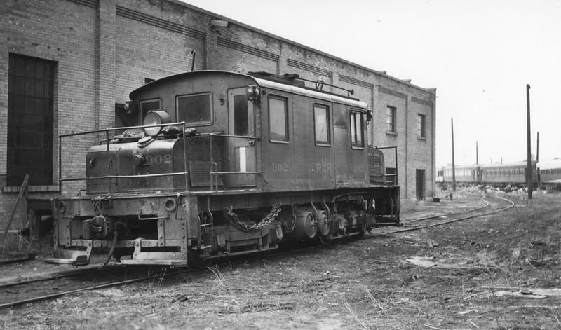 UIC_Freight-Motor_902_Ogden-Yard_~1947_Gordon-Cardall-photo