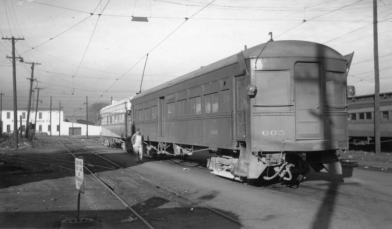 UIC-Last-Run_Feb-15-1947_Ogden_Gordon-Cardall-photo