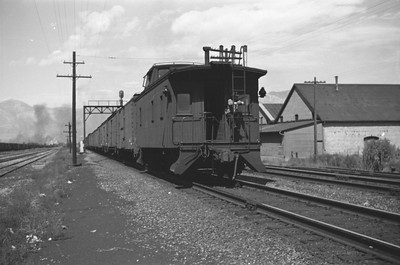 UP-train_Ogden_Aug-1946_003_Emil-Albrecht-photo-0208-rescan