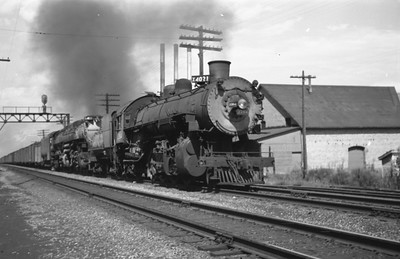 UP_4-8-8-4_4021-with-train_Ogden_Aug-1946_Emil-Albrecht-photo-0208-rescan