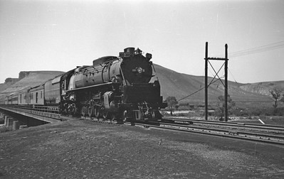 UP_4-8-4_830-with-Train-2_Green-River_Aug-29-1946_Emil-Albrecht-photo-0208-rescan