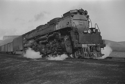 UP_4-6-6-4_3991-with-train_Green-River_Aug-1946_001_Emil-Albrecht-photo-205-rescan