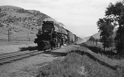 UP_4-8-8-4_4000-with-train_near-Echo_Aug-1946_001_Emil-Albrecht-photo-205-rescan
