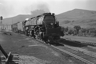 UP_4-8-8-4_4009-with-train_Echo_Aug-1946_001_Emil-Albrecht-photo-205-rescan