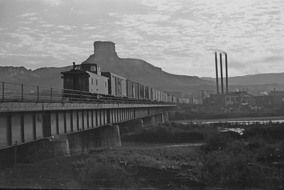 UP_4-6-6-4_3991-with-train_Green-River_Aug-1946_005_Emil-Albrecht-photo-205-rescan