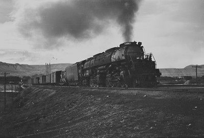 UP_4-8-8-4_4003-with-train_Green-River_Aug-1946_001_Emil-Albrecht-photo-205-rescan