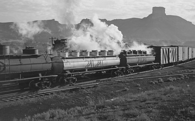 UP_4-6-6-4_3991-with-train_Green-River_Aug-1946_006_Emil-Albrecht-photo-205-rescan