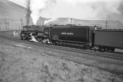 UP_4-6-6-4_3986-with-train_Green-River_Aug-29-1946_004_Emil-Albrecht-photo-0207-rescan