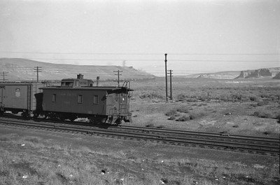 UP_4-6-6-4_3986-with-train_Green-River_Aug-29-1946_007_Emil-Albrecht-photo-0207-rescan