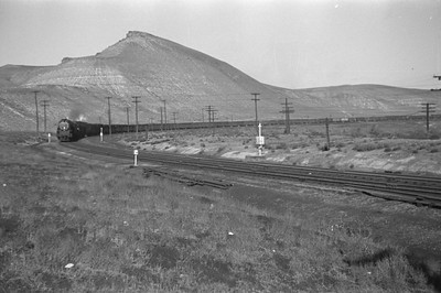 UP_4-8-8-4_4013-with-train_Green-River_Aug-29-1946_002_Emil-Albrecht-photo-0207-rescan