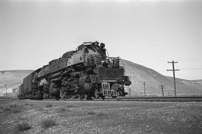 UP_4-8-8-4_4005-with-train_Green-River_Aug-29-1946_001_Emil-Albrecht-photo-0207-rescan