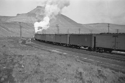 UP_4-6-6-4_3986-with-train_Green-River_Aug-29-1946_005_Emil-Albrecht-photo-0207-rescan