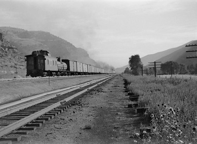 UP_4-6-6-4_3950-with-train_Echo-Canyon_Aug-1946_003_Emil-Albrecht-photo-0215-rescan2