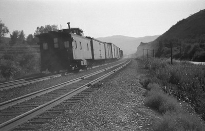 UP-train_Echo-Canyon_Aug-1946_Emil-Albrecht-photo-0215-rescan