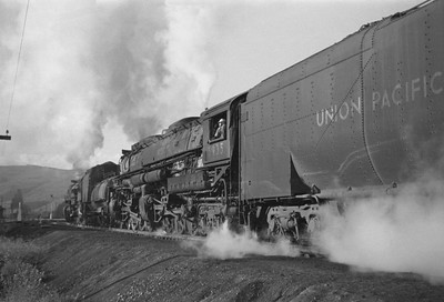 UP_4-6-6-4_3935-with-train_Echo-Utah_Aug-1946_002_Emil-Albrecht-photo-0215-rescan3