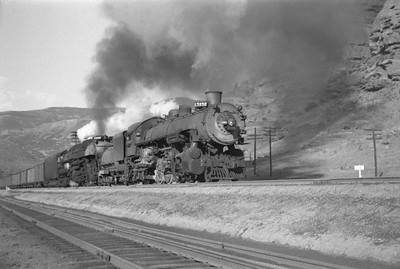 UP_4-6-6-4_3950-with-train_Echo-Canyon_Aug-1946_001_Emil-Albrecht-photo-0215-rescan3