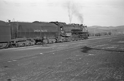 UP-trains-passing-McCammon-Idaho_June-1946_004_Emil-Albrecht-photo-0211-rescan