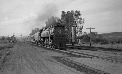 UP-trains-passing-McCammon-Idaho_June-1946_001_Emil-Albrecht-photo-0211-rescan