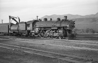 UP-trains-passing-McCammon-Idaho_June-1946_008_Emil-Albrecht-photo-0211-rescan