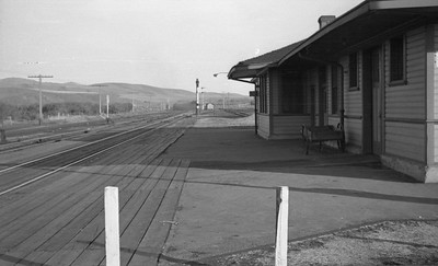 UP-trains-passing-McCammon-Idaho_June-1946_002_Emil-Albrecht-photo-0211-rescan