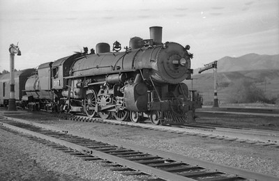 UP-trains-passing-McCammon-Idaho_June-1946_009_Emil-Albrecht-photo-0211-rescan