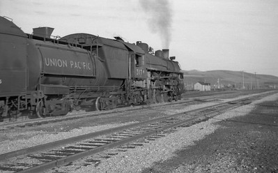UP-trains-passing-McCammon-Idaho_June-1946_010_Emil-Albrecht-photo-0211-rescan