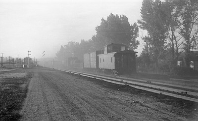 UP-trains-passing-McCammon-Idaho_June-1946_013_Emil-Albrecht-photo-0211-rescan