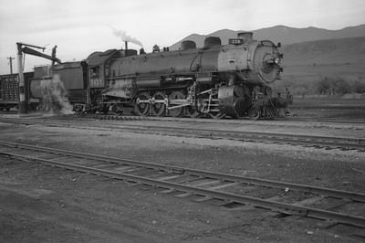 UP_2-10-2_5035-with-train_McCammon_June-1946_003_Emil-Albrecht-photo-0203-rescan