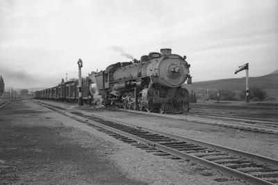UP_2-10-2_5035-with-train_McCammon_June-1946_004_Emil-Albrecht-photo-0203-rescan
