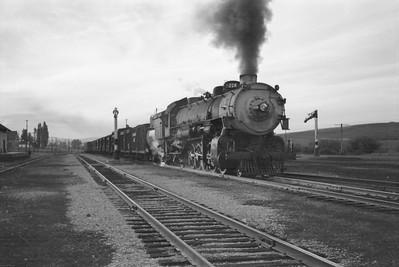 UP_2-10-2_5035-with-train_McCammon_June-1946_005_Emil-Albrecht-photo-0203-rescan